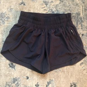 Never Worn Lululemon Tracker Short V